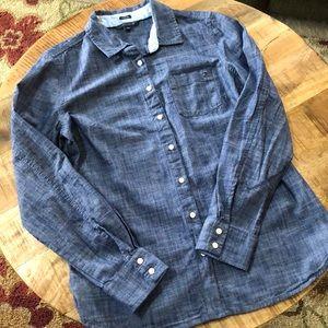 🌸 Tommy Hilfiger Button Down shirt size Medium